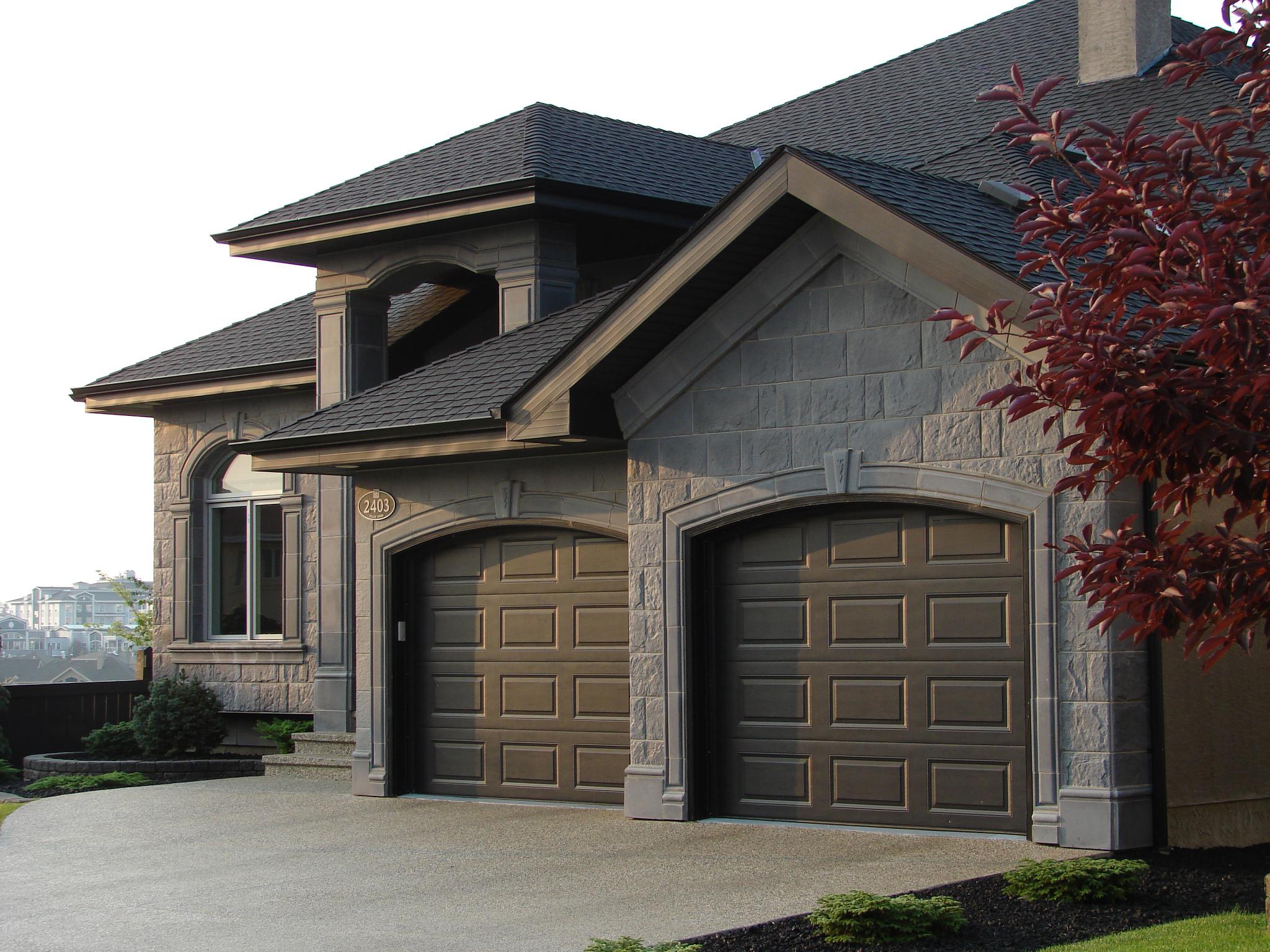 Gothic Moldings - Stonetile Canada