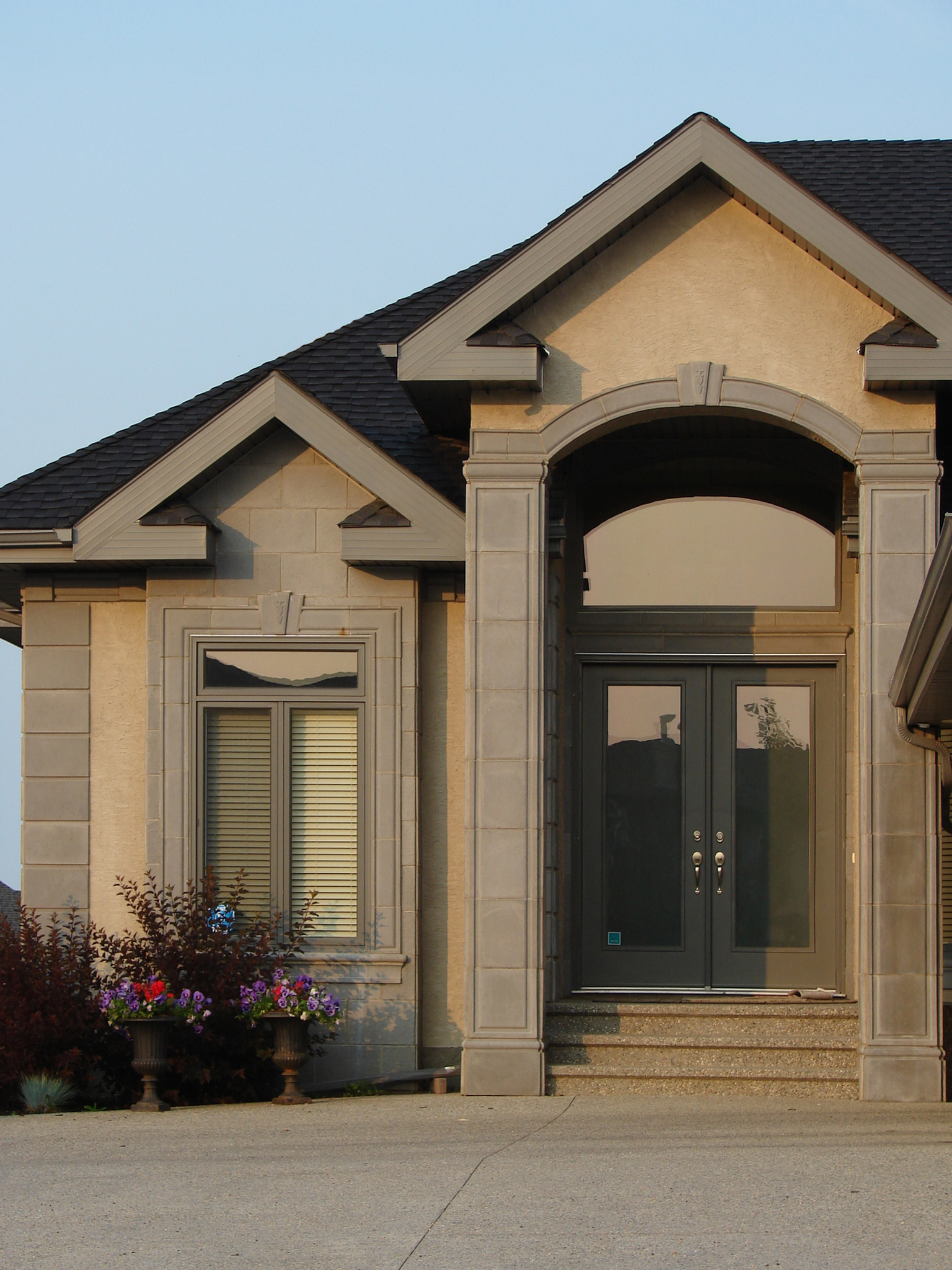 Pillars Accessories - Stonetile Canada